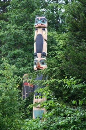 Beaver clan totem