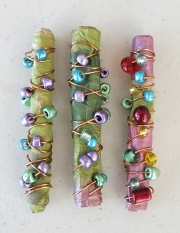 Wrapped paper beads